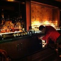Das Foto wurde bei Bemelmans Bar von Benjamin S. am 1/3/2011 aufgenommen