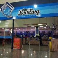 Foto tirada no(a) Araguaia Shopping por Pedro H. em 6/24/2012