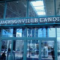 Das Foto wurde bei The Jacksonville Landing von Chanel V. am 2/9/2012 aufgenommen