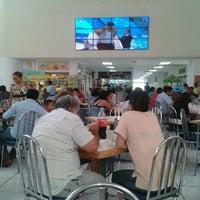 Foto scattata a Plaza Dorada da David G. il 7/31/2012
