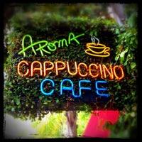 Das Foto wurde bei Aroma Coffee and Tea Co. von MyLastBite am 5/4/2012 aufgenommen