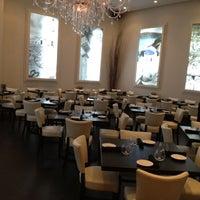 Снимок сделан в Meli Restaurant пользователем Bill H. 9/9/2012