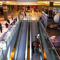 Foto scattata a Galleria Commerciale Porta di Roma da Syder il 7/31/2012