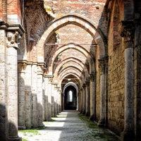 Foto scattata a Abbazia Di San Galgano da Alessandro A. il 6/7/2012