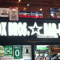 รูปภาพถ่ายที่ Fox Bros. Bar-B-Q โดย Patrick D. เมื่อ 5/28/2012
