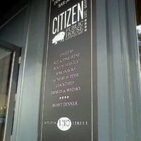 7/9/2012 tarihinde Elizabeth G.ziyaretçi tarafından Citizen Public House & Oyster Bar'de çekilen fotoğraf