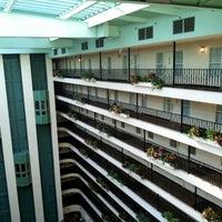 9/12/2012 tarihinde Pattie C.ziyaretçi tarafından Embassy Suites by Hilton Santa Ana Orange County Airport'de çekilen fotoğraf