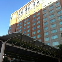 Foto scattata a Seaport Hotel & World Trade Center da Robbi H. il 7/22/2012