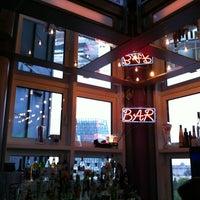 Das Foto wurde bei Tower Bar von Alex J. am 9/6/2012 aufgenommen