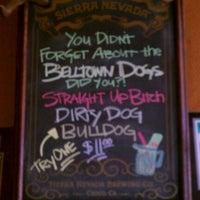Das Foto wurde bei Belltown Pub von Stephie M. am 8/30/2012 aufgenommen