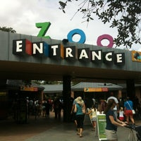 Снимок сделан в Houston Zoo пользователем Christian M. 7/7/2012