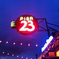 3/26/2012にRyan R.がPier 23 Cafeで撮った写真