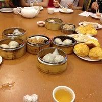 8/18/2012 tarihinde Eva P.ziyaretçi tarafından China Pearl Restaurant'de çekilen fotoğraf