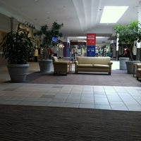 4/26/2012에 Vira L.님이 Meridian Mall에서 찍은 사진