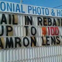 รูปภาพถ่ายที่ Colonial Photo & Hobby โดย Jahi A. เมื่อ 5/5/2012