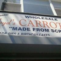 8/17/2011 tarihinde William M.ziyaretçi tarafından Lloyd's Carrot Cake'de çekilen fotoğraf