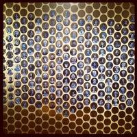 Das Foto wurde bei Gladstone Hotel von Rannie T. am 1/26/2012 aufgenommen