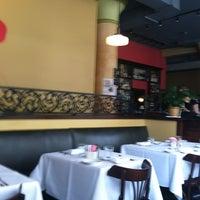 Foto tirada no(a) Coquette Cafe por Purse- L. em 7/24/2012