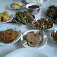 9/10/2012에 Radian P.님이 RM. Sunda Cikawao에서 찍은 사진
