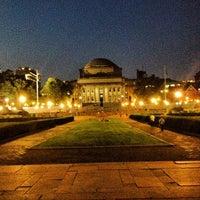 Foto scattata a Low Steps - Columbia University da Jake S. il 6/29/2012