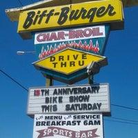 Das Foto wurde bei Biff Burger von Lori M. am 3/25/2012 aufgenommen