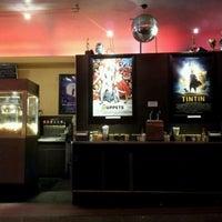 Снимок сделан в Laurelhurst Theater & Pub пользователем Mike D. 3/10/2012
