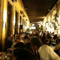 7/6/2012にVictor F.がHank's Querétaroで撮った写真