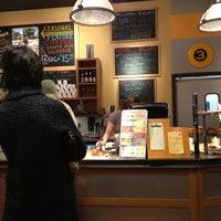 Das Foto wurde bei Market Street Coffee von Howard R. am 12/20/2011 aufgenommen