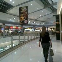 Foto tirada no(a) Independência Shopping por Rafael P. em 11/3/2011