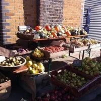 Foto scattata a Maltby Street Market da MVLOVE il 10/15/2011