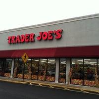 รูปภาพถ่ายที่ Trader Joe's โดย Sandy N. เมื่อ 11/16/2011