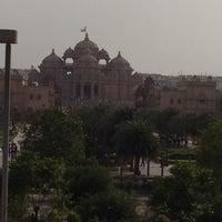 Foto tomada en Swaminarayan Akshardham por Isha K. el 6/9/2012