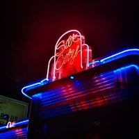 Foto scattata a Silk City Diner Bar & Lounge da Neil A. il 9/8/2012