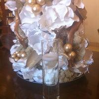 12/31/2011에 Jacquelyn K.님이 Argyle Salon & Spa에서 찍은 사진