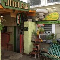 7/15/2012 tarihinde Abby A.ziyaretçi tarafından JuiceLand'de çekilen fotoğraf