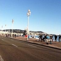 รูปภาพถ่ายที่ Promenade des Anglais โดย Cecile D. เมื่อ 12/26/2011