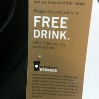 Foto scattata a Starbucks da Gina T. il 3/14/2012