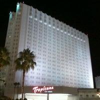 Foto diambil di Tropicana Las Vegas oleh Retch16 pada 7/11/2012