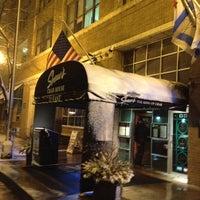 1/13/2012 tarihinde Miguel N.ziyaretçi tarafından Shaw's Crab House'de çekilen fotoğraf