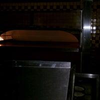 8/25/2012にKyle T.がJordan's Bistro & Pubで撮った写真
