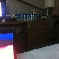 4/30/2012 tarihinde Cem D.ziyaretçi tarafından Notte Hotel'de çekilen fotoğraf