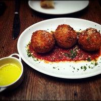 Foto scattata a Galli Restaurant da Netsirk il 8/24/2012
