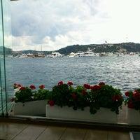 8/20/2012 tarihinde Filiz P.ziyaretçi tarafından Divan Brasserie Bebek'de çekilen fotoğraf