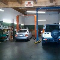 6/14/2011にShawn U.がUniversal Auto Repairで撮った写真