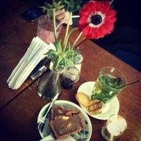 Foto scattata a Lunchroom Wilhelmina da @ambarsurastri il 11/20/2011