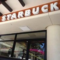 Foto tomada en Starbucks por Park S. el 7/24/2012