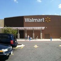 Das Foto wurde bei Walmart Supercenter von Jarvis am 8/16/2012 aufgenommen