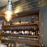 Foto scattata a Kaia Wine Bar da Cindy O. il 4/14/2012