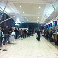 Снимок сделан в Brisbane Airport International Terminal пользователем Anna V. 5/25/2012