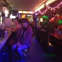 Foto scattata a 169 Bar da sharilyn il 8/15/2012